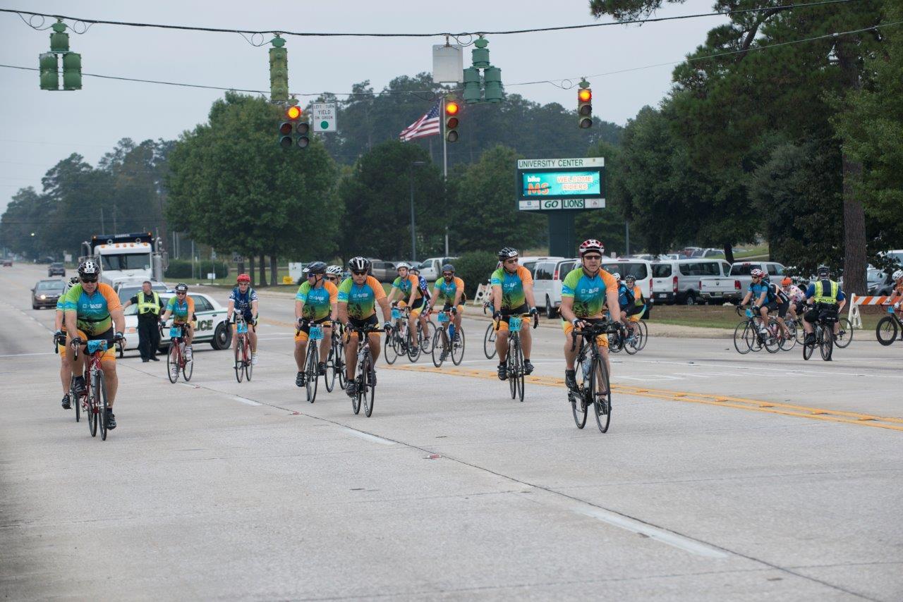 Group shot of BASF Bike MS Team Dat's How We Roll, 2015